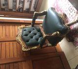 Silla de cedro y cuero estilo Luis XV