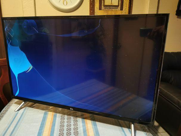 Se venden pantallas para repuestos.