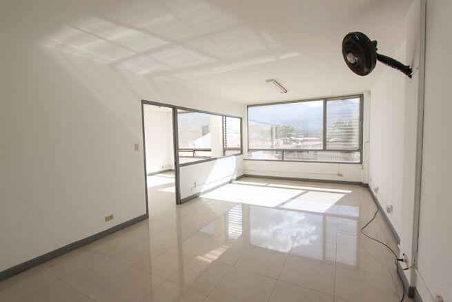 Oficina en alquiler Escazu Trejos Montealegre